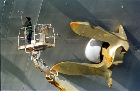 File:US Navy 010222-N-6119T-001 Golden Anchor on aircraft