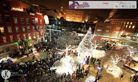 Here Are The Top 13 Christmas Towns In Maine