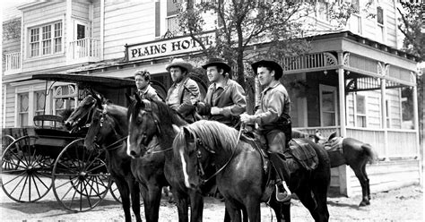 Movie Review: When The Daltons Rode (1940)   The Ace Black